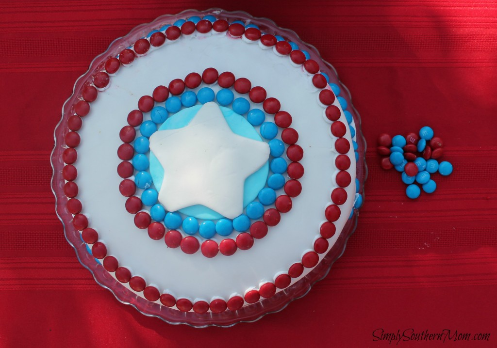 how to decorate a captain america cake