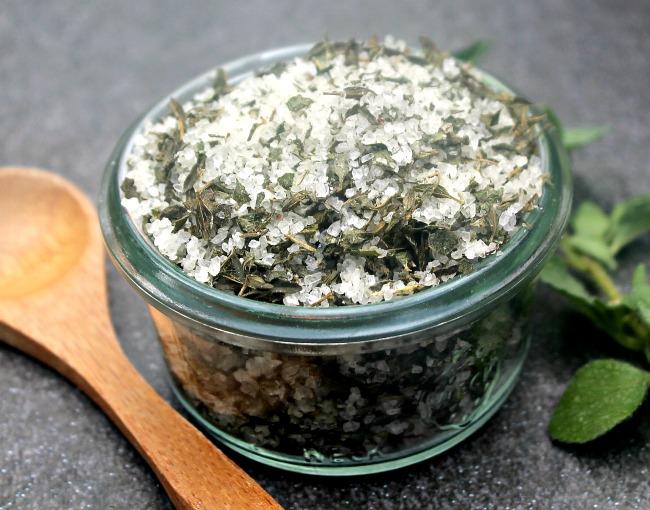 homemade oregano thyme salt 2