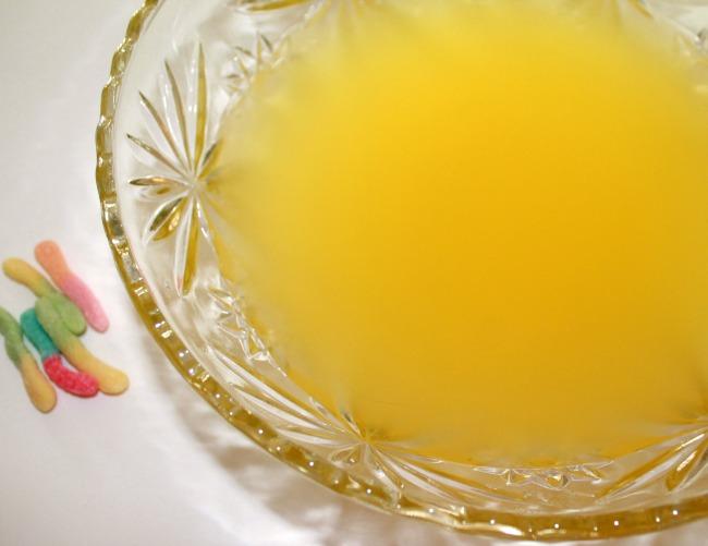 mix pineapple juice and sprite