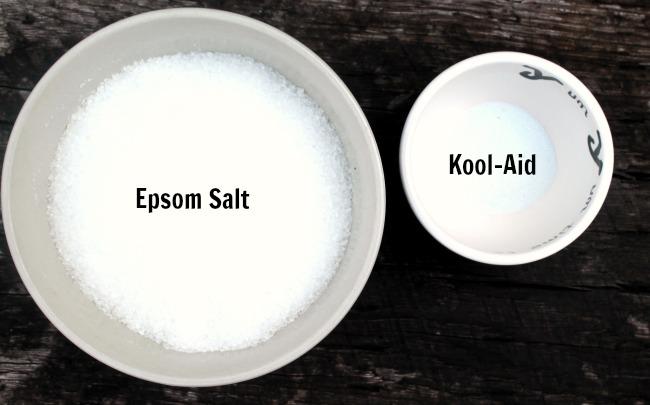 2 ingredient magic coloring changing bath salts